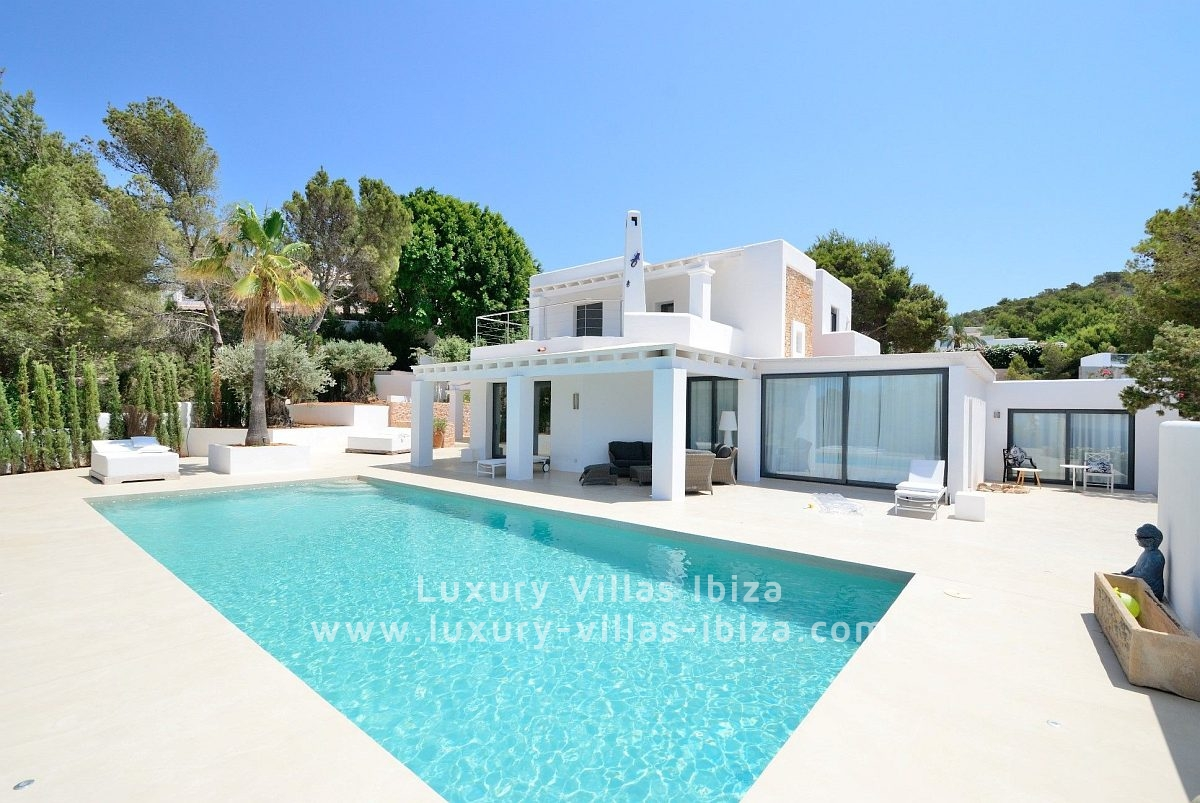 Luxury ibiza villa rental sea front luxury villas ibiza for Villas ibiza